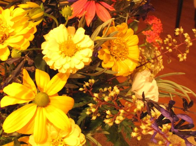 In A Vase On Monday--August Mingle