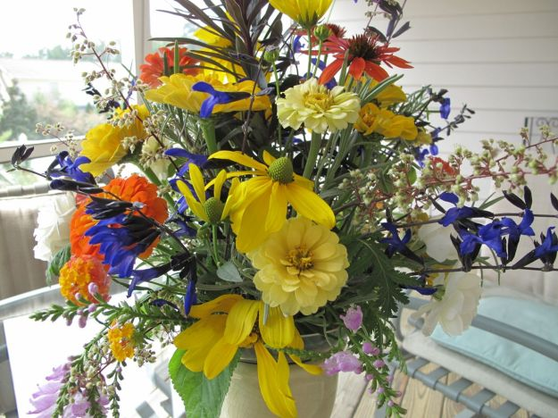 In A Vase On Monday - August Mingle