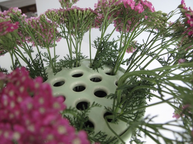 Vase lid with holes
